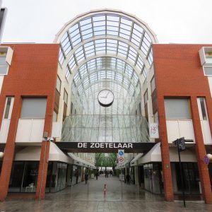 Winkelcentrum – Zoetelaar – Buitenzijde Na Renovatie